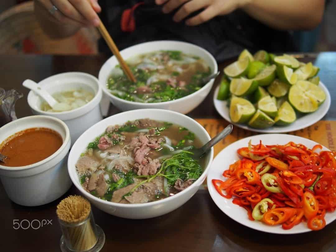 Đến Hà Nội mà không ăn phở thì quá là đáng tiếc. Ảnh: @halonngcruisecabin