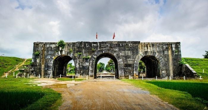 Địa điểm du lịch thanh hóa: Thành nhà hồ