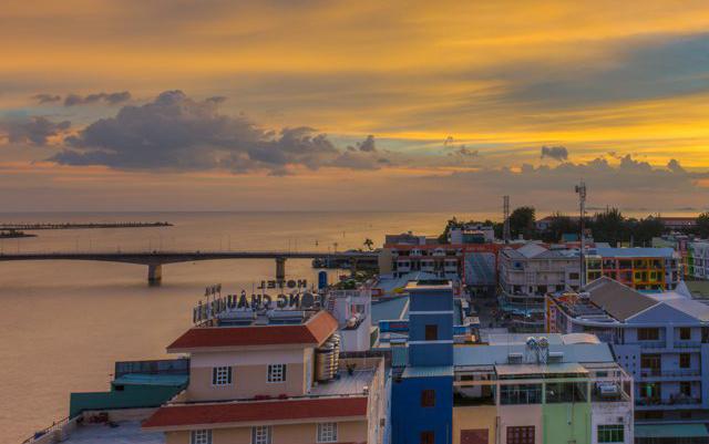 Một góc của huyện Hà Tiên, đảo Hải Tặc (Ảnh: ST)