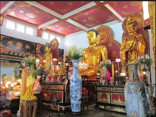 Hình ảnh Bái Điện nguy nga của chùa