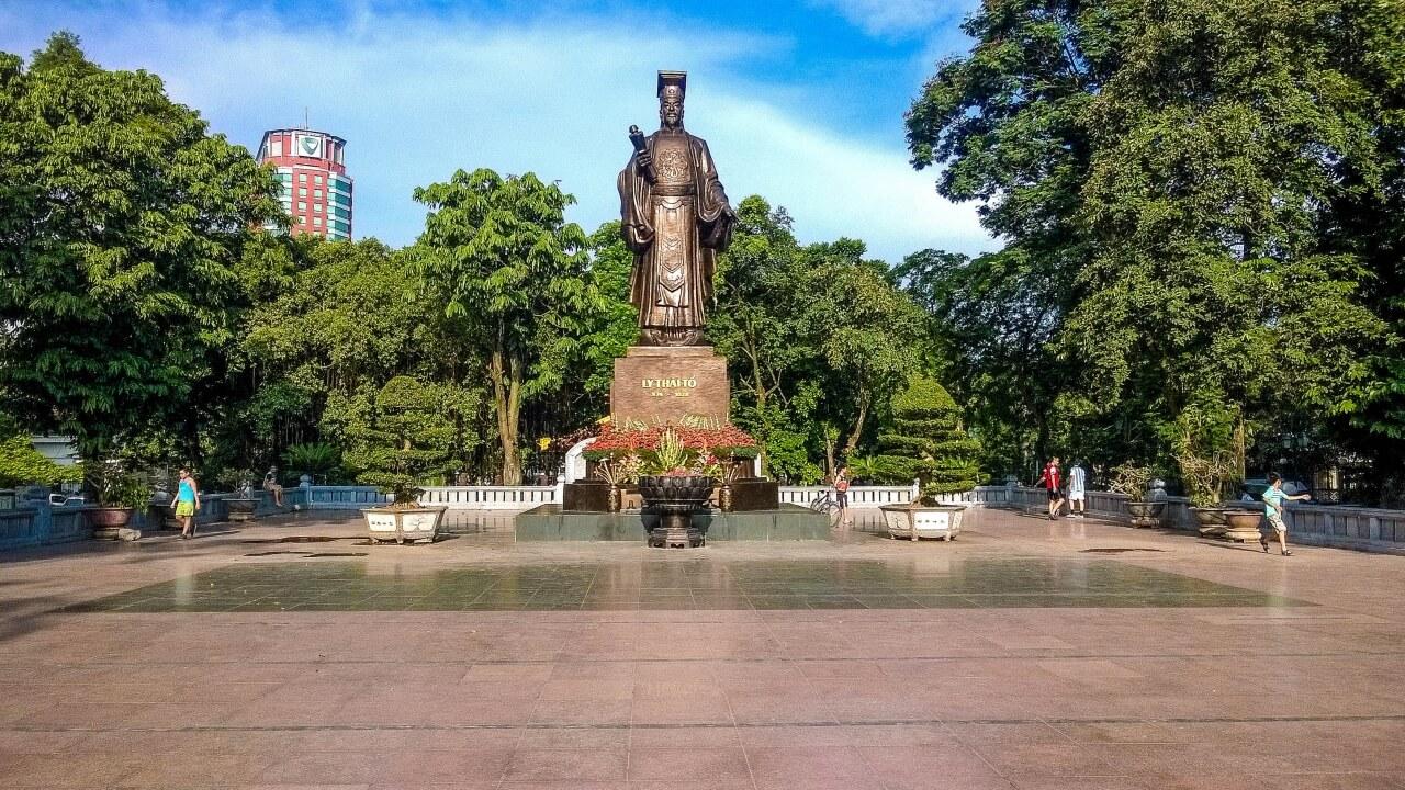 tượng đài Lý Thái Tổ