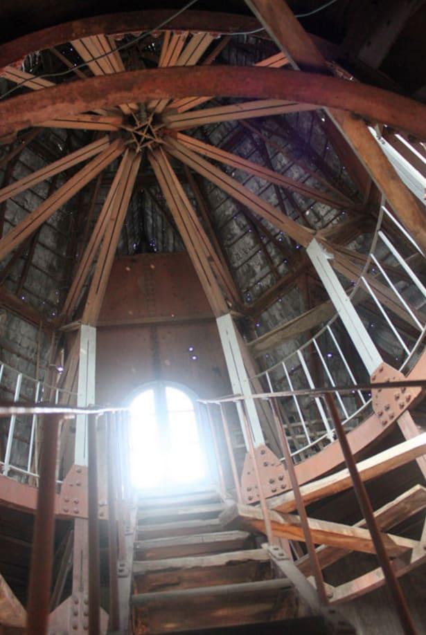 các chi tiết kiến trúc, nội thất bên trong thánh đường