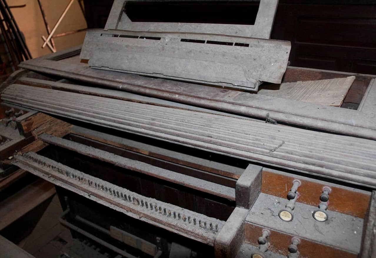 Gác đàn chứa cây đàn organ ống cổ bậc nhất Việt Nam