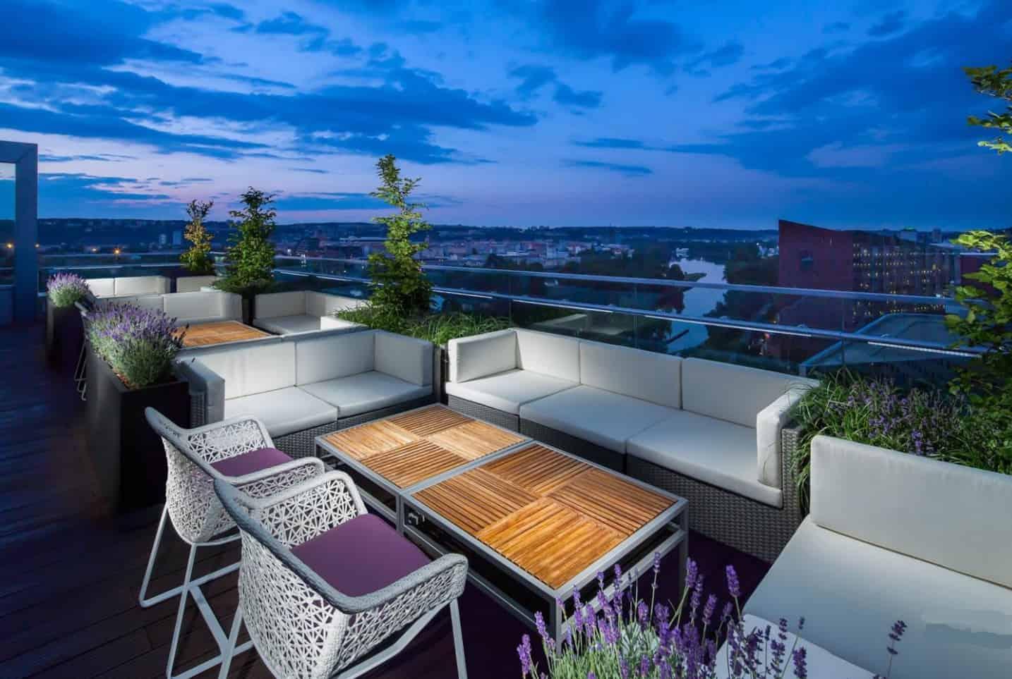 Lounge Bar Cloud 9