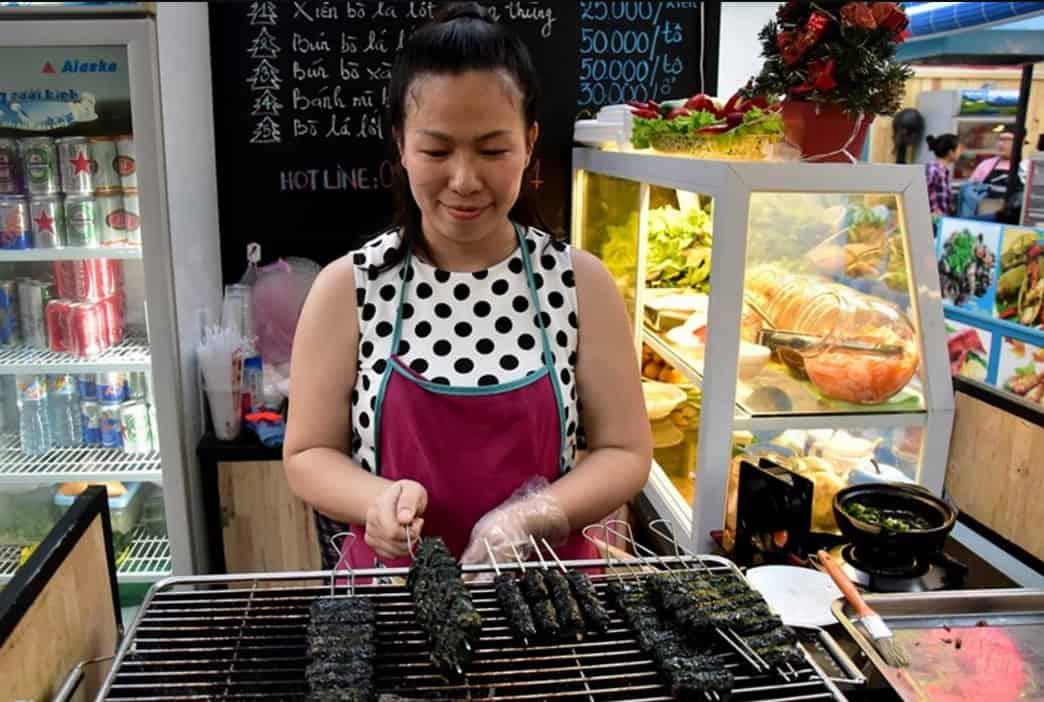 Nhiều quán ăn ngon tại chợ đêm Sài Gòn này