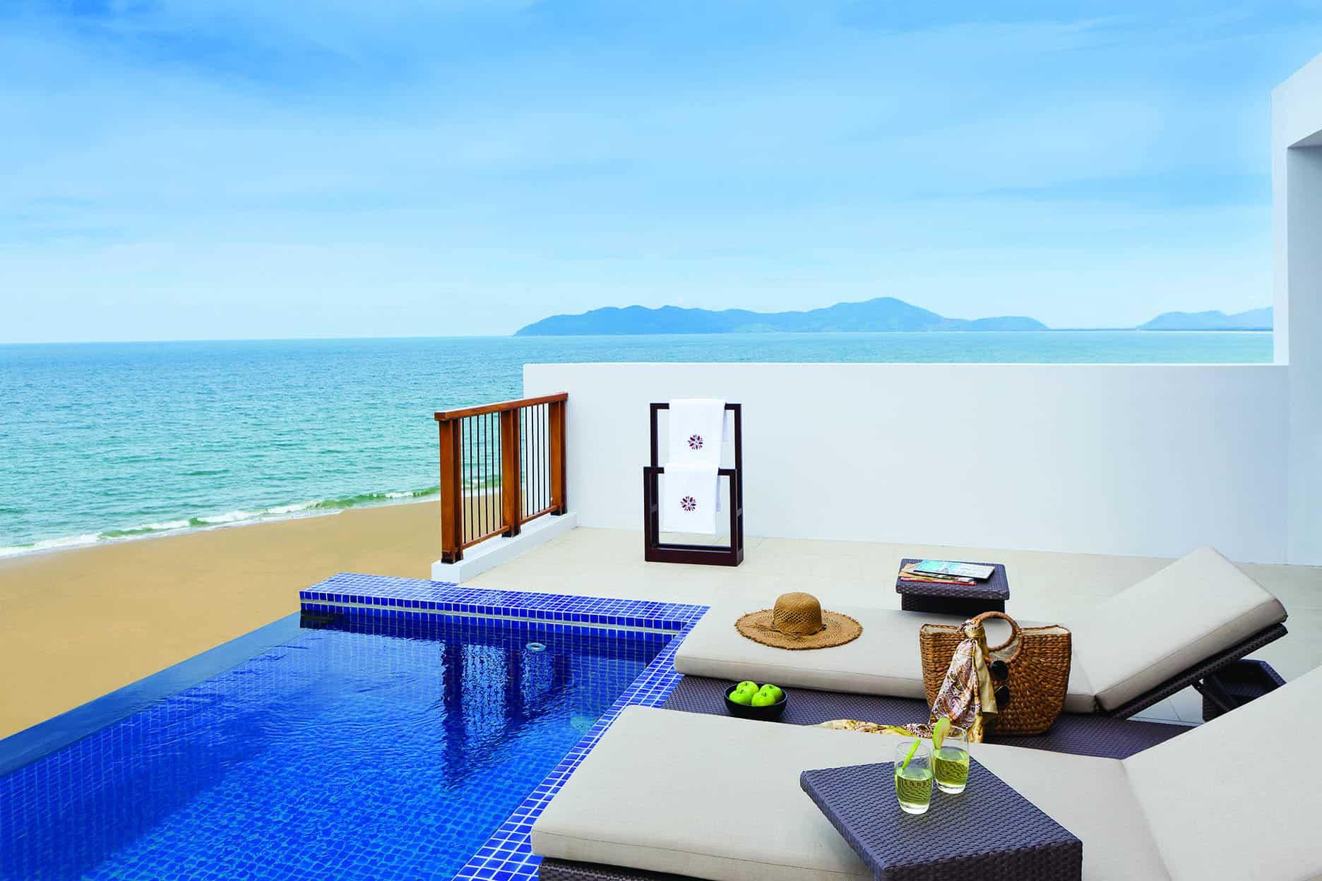 Hồ bơi view cực đẹp - Angsana Lăng Cô Resort