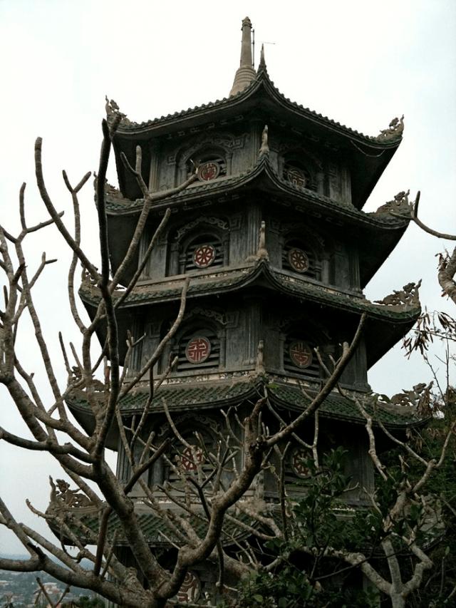 Bảo Tháp Xá Lợi tại chùa Linh Ứng - Ngũ Hành Sơn