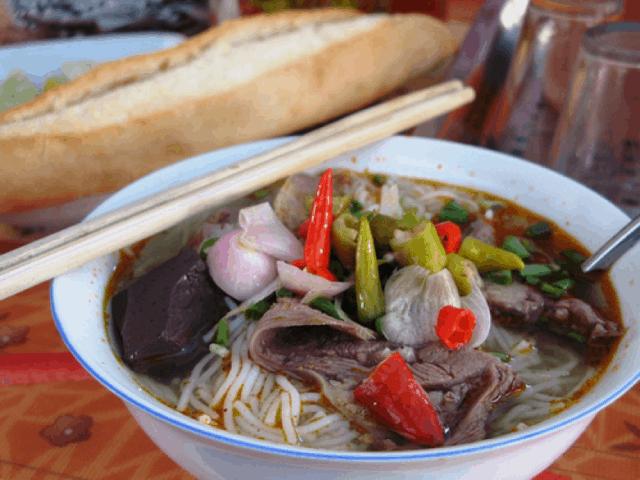 Bún bò - đặc sản Đà Nẵng
