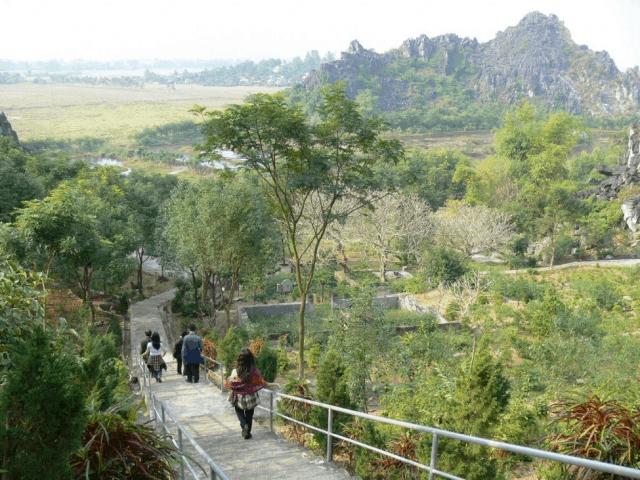 Đường lên động Tiên Sơn - Núi Hàm Rồng Thanh Hóa