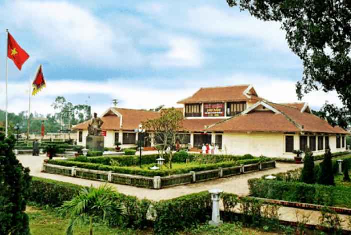 Khu di tích Nguyễn Du - địa điểm du lịch Hà Tĩnh