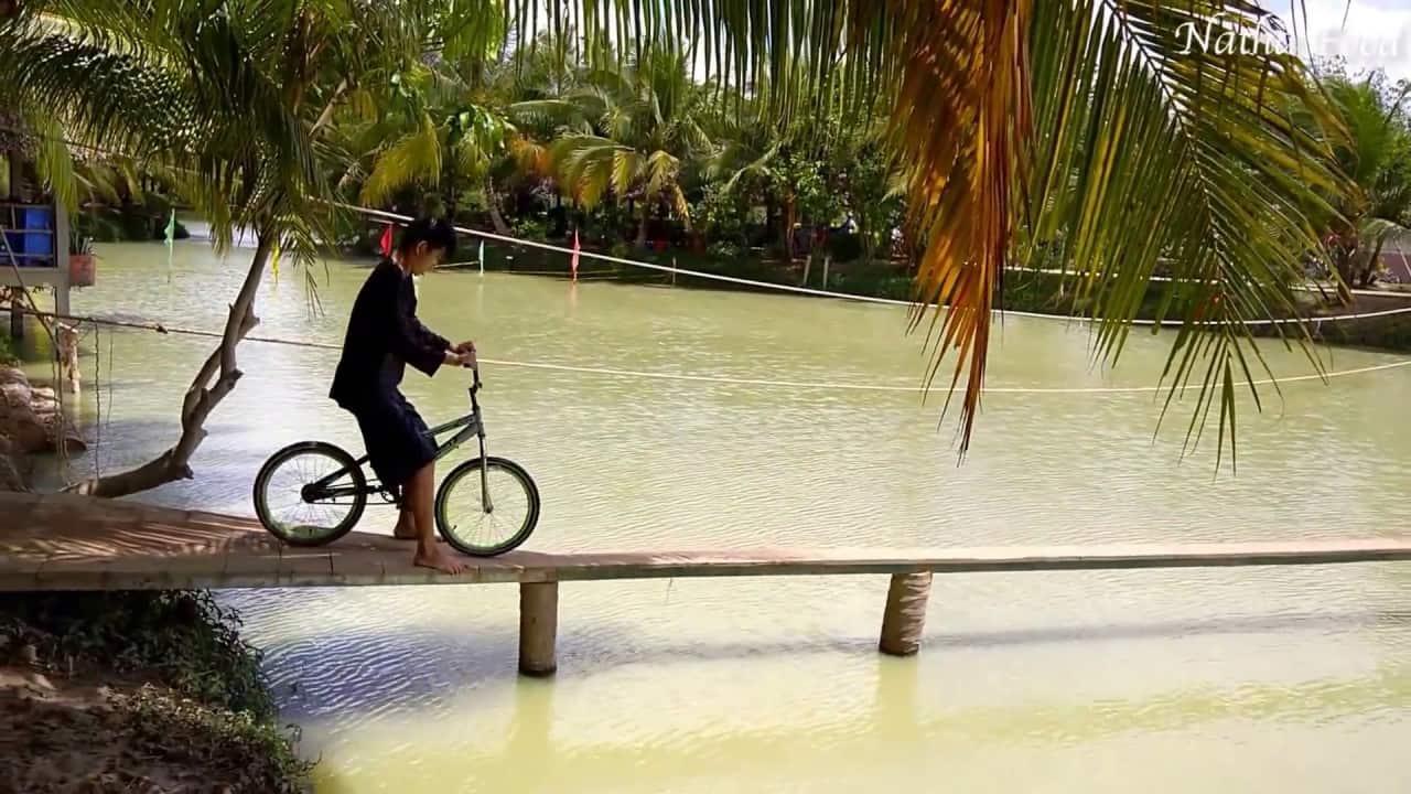 Trò chơi đạp xe tại khu du lịch An Vương