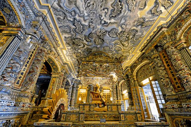 Kiến trúc bên trong tinh xảo của Lăng Khải Định