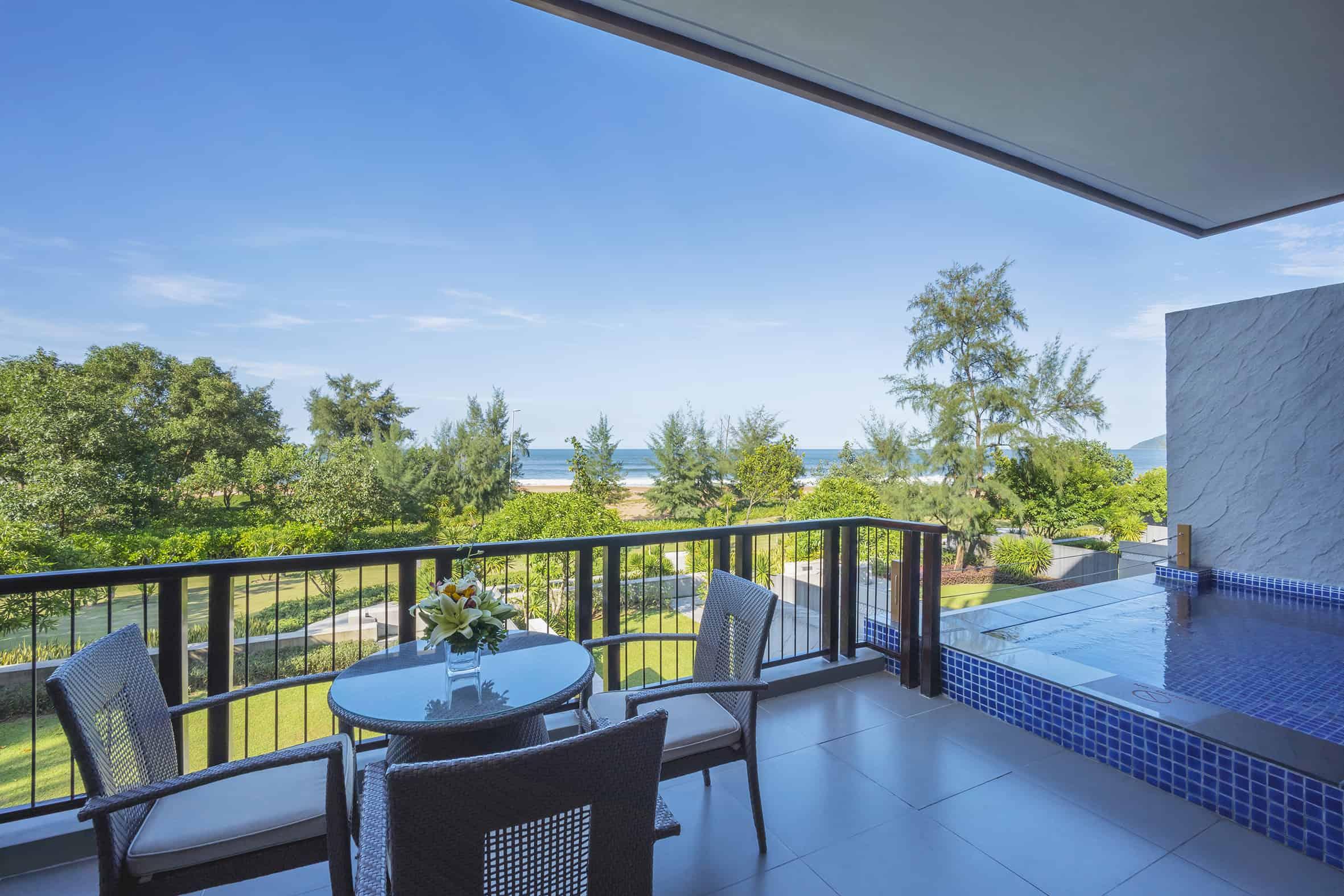 Hồ bơi view cực đẹp - Angsana Lăng Cô Resort 01