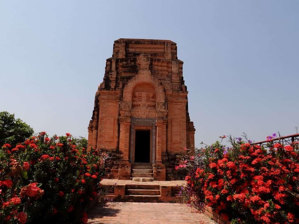 Khu du lịch Tháp Chóp Mạt ở Tây Ninh (Ảnh: ST)