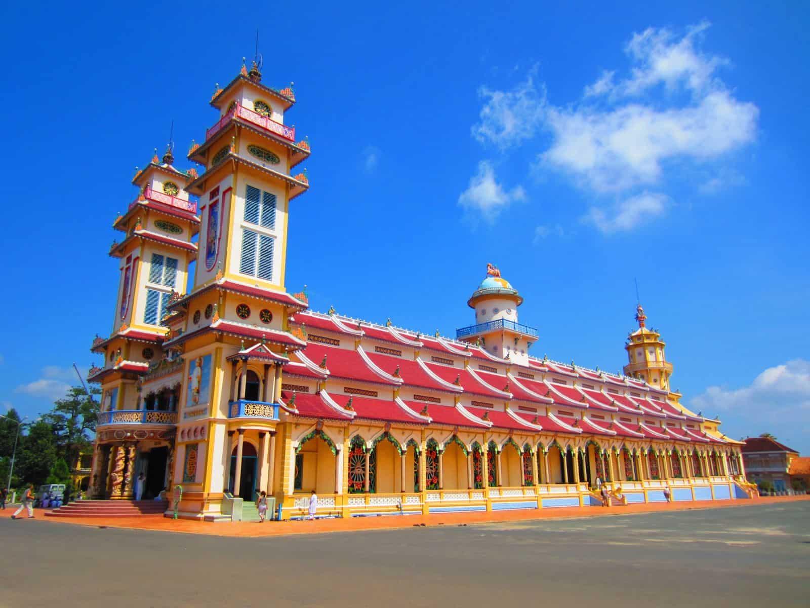 Khu du lịch Tòa Thánh ở Tây Ninh (Ảnh: ST)