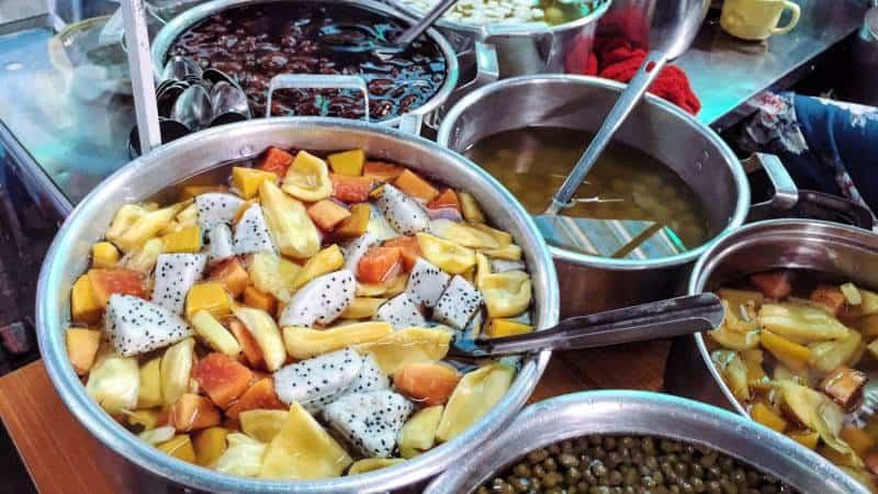 Chè Huế - món ăn vặt ở Huế nổi tiếng chợ Đông Ba