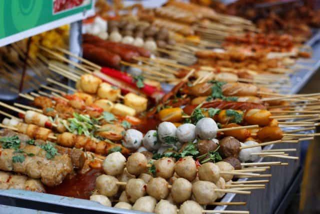 Ăn vặt ở Quy Nhơn (ảnh: ST)