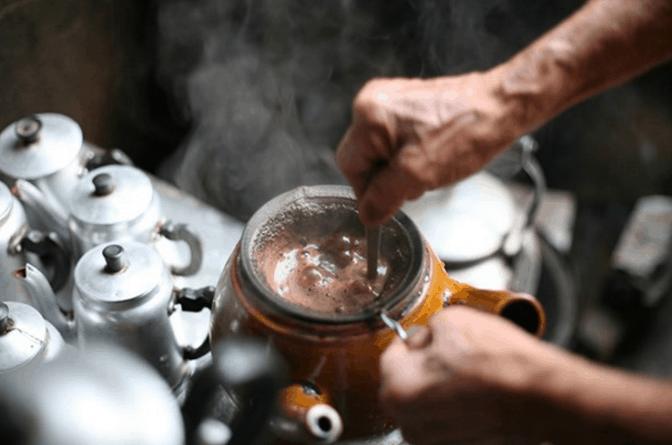 Cà phê vợt Chợ Thiếc