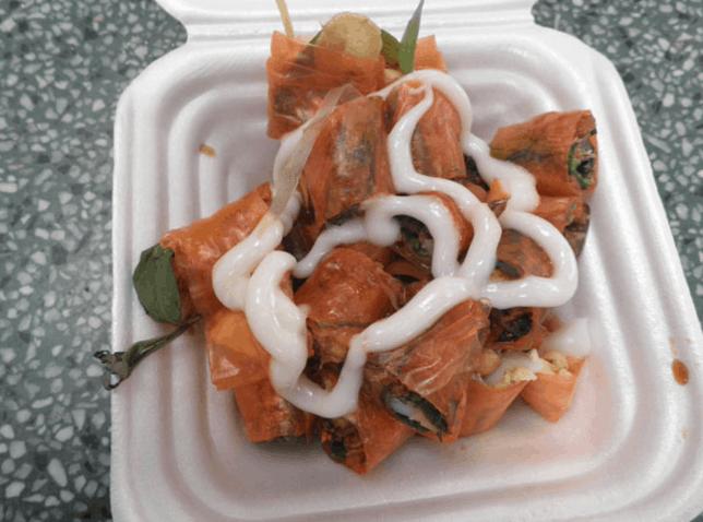 các món ăn vặt mê hồn của học sinh như bánh tráng trộn