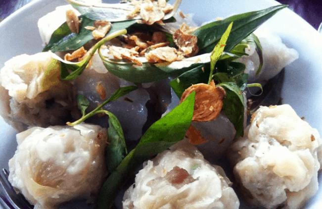 Khu ăn vặt Hòa Hảo Sài Gòn
