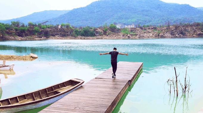 Địa điểm chụp hình đẹp Hồ Đá Xanh