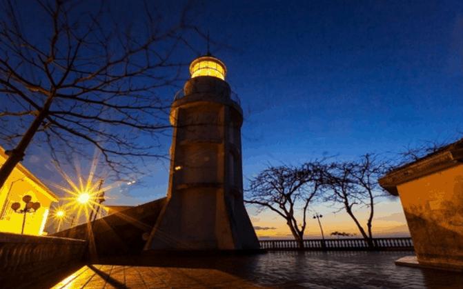 Vũng Tàu về đêm tại ngọn hải đăng
