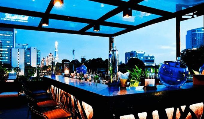 Khu ăn chơi ở Sài Gòn Cloud 9 Rooftop Bar