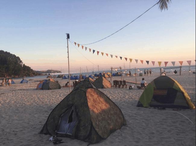 Cắm trại trên biển