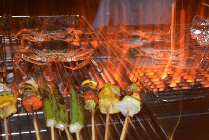 Tiệc nướng BBQ ngoài trời