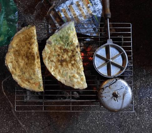 Bánh tráng nướng ở Sài Gòn