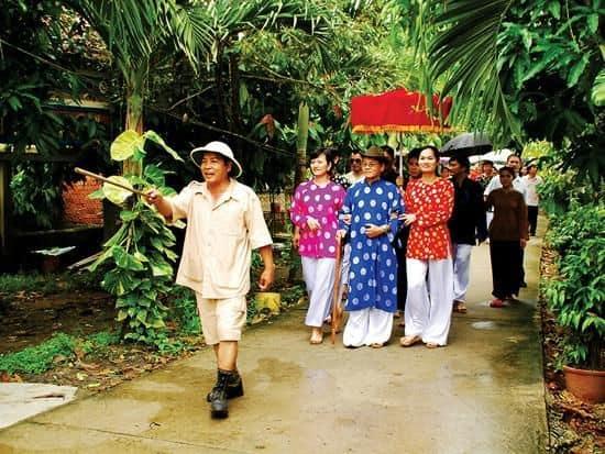 Tham gia các lễ hội dân gian