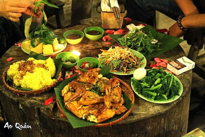 Ẩm thực ở Ao Quán