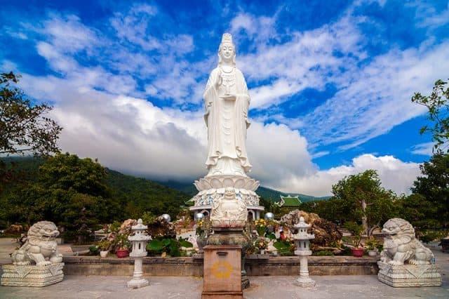 Chùa Bãi Bụt Linh Ứng - gần đỉnh Bàn Cờ