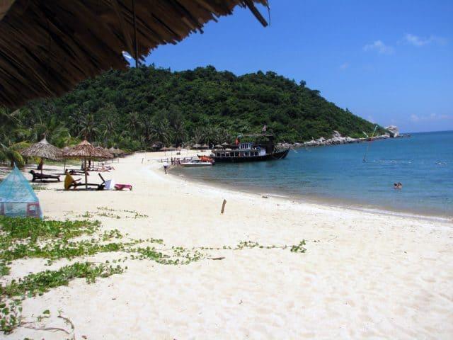 Bãi biển Tiên Sa - gần đỉnh Bàn Cờ