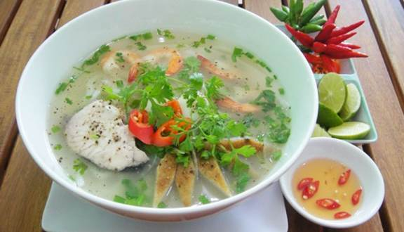Bánh canh chả cá Đồng Hới