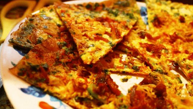 Món bánh tráng nướng là món ăn tuyệt ngon ở Sài Gòn