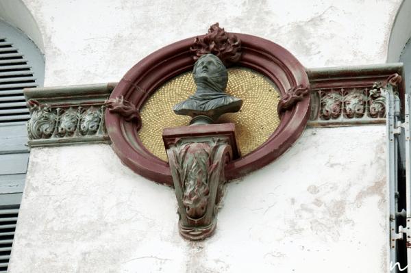 Các chi tiết bên ngoài Bạch Dinh ở Vũng Tàu (Ảnh: Sưu tầm)