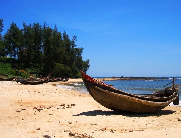 Bãi biển Cửa Tùng - địa điểm du lịch Quảng Trị