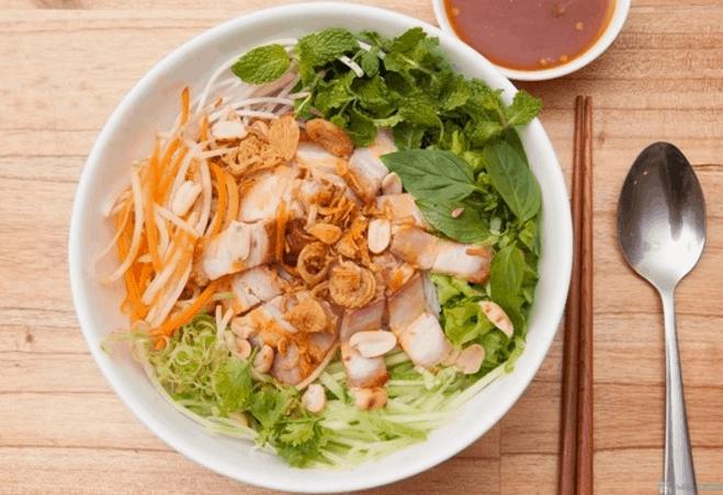 Bún mắm nêm - món ngon cực hot trong ngày hè ở Sài Gòn