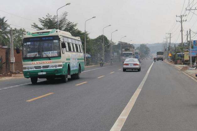 Xe bus 79 đi tới địa đạo Củ Chi (Ảnh ST)