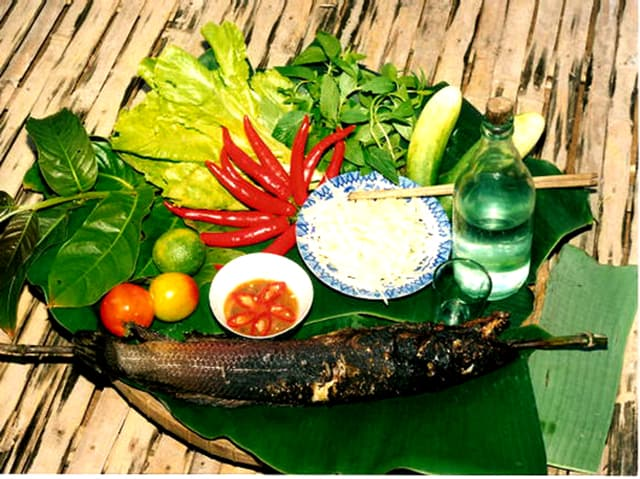 Cá lóc nướng trui được phục vụ trong các quán ăn ở Sài Gòn (Ảnh: ST)