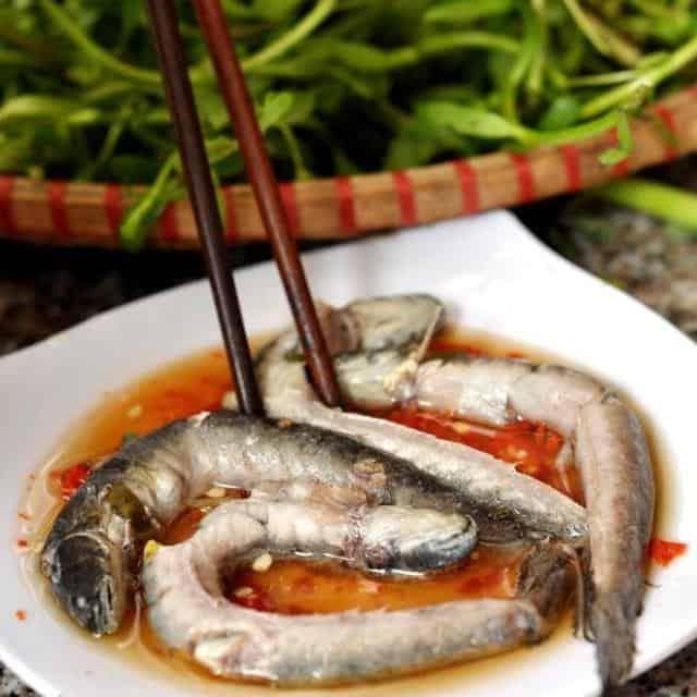 Những đĩa cá kèo tươi ngon được tẩm ướp vừa khẩu vị (Ảnh: ST)