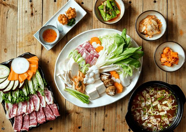 Các món ăn ở nhà hàng đều được người Sài Gòn mê tít