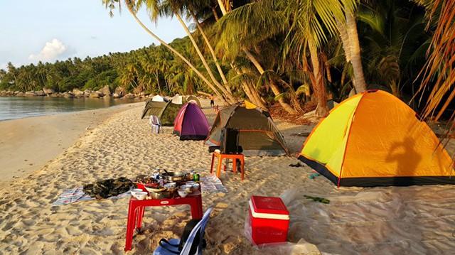 Bạn có thể trải nghiệm cắm trại trên đảo Nam Du (Ảnh: Sưu tầm)