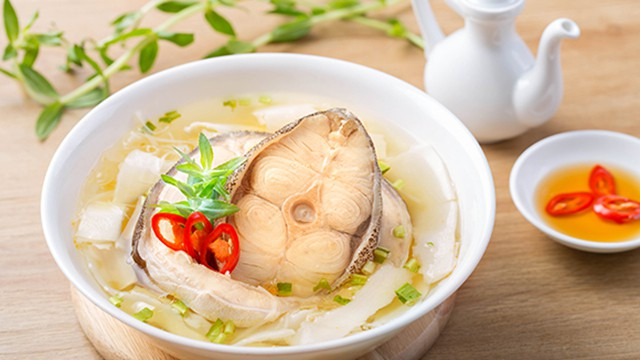 Món canh chua cá bớp ngon lành đậm vị chinh phục nhiều khách du lịch (Ảnh: Sưu tầm)