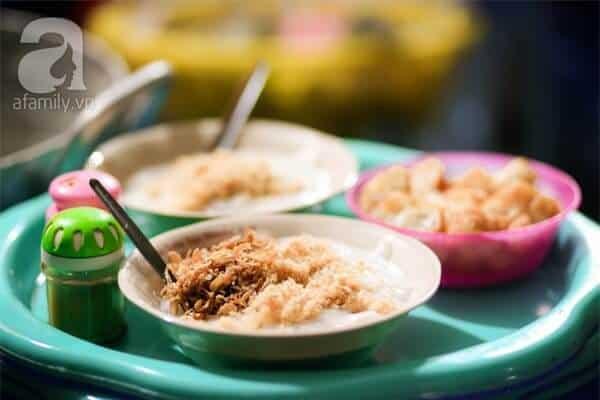 quán ăn ngon buổi tối Hà Nội: cháo sườn chợ Đồng Xuân