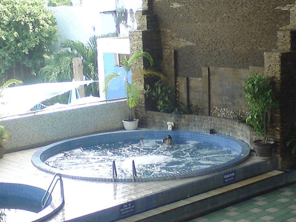 Hình ảnh Hồ Massage nước nóng - lạnh (Ảnh: Sưu tầm)