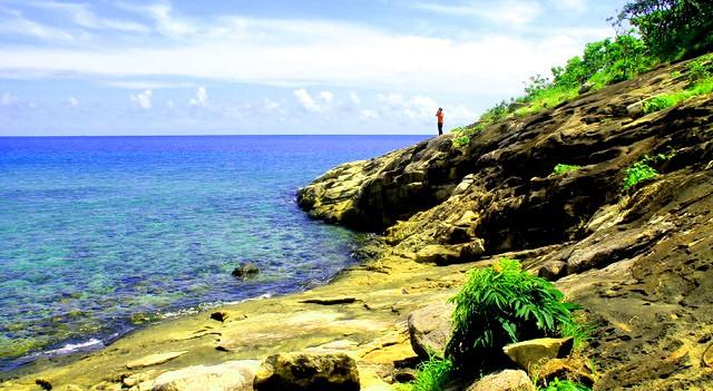 Vịnh nước xanh trong (Ảnh: ST)