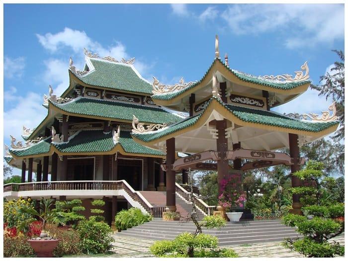 Khu đền thờ Lăng mộ Nguyễn Đình Chiểu Bến Tre