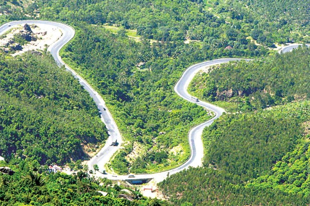 The poor mountain pass stimulates all the backpackers in our country (ST PHOTO)